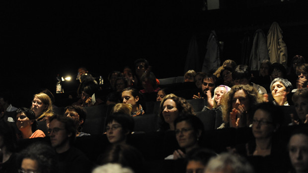 Gebanntes Publikum während der Vorführung