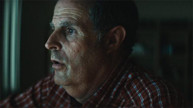 Das Gesicht eines Mannes im Halbprofil