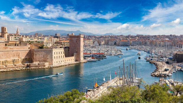 Stadtansicht Marseille im Sonnenlicht